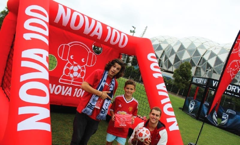 ExpandaBrand-Custom-Advertising-Inflatable-Goal-Posts_Nova