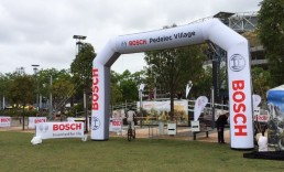 ExpandaBrand-Branded-Inflatable-Arches_BOSCH