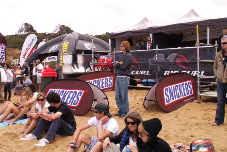 A frame pop up banners snickers