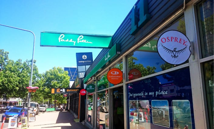 ExpandaBrand-Retail-Circular-End-Flags-Flexi-Discs_Shop-front-banners